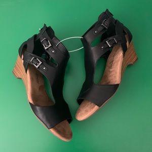 NEW Women's Ortholite Wedge Buckle Sandals Black